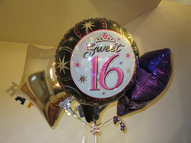 sweet-sixteen-balloons-701710