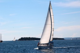 sailing-vessel-1473316_1920