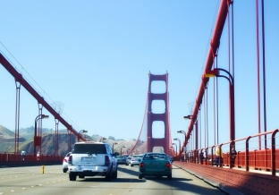 Golden-gate-bridge-traffic crop