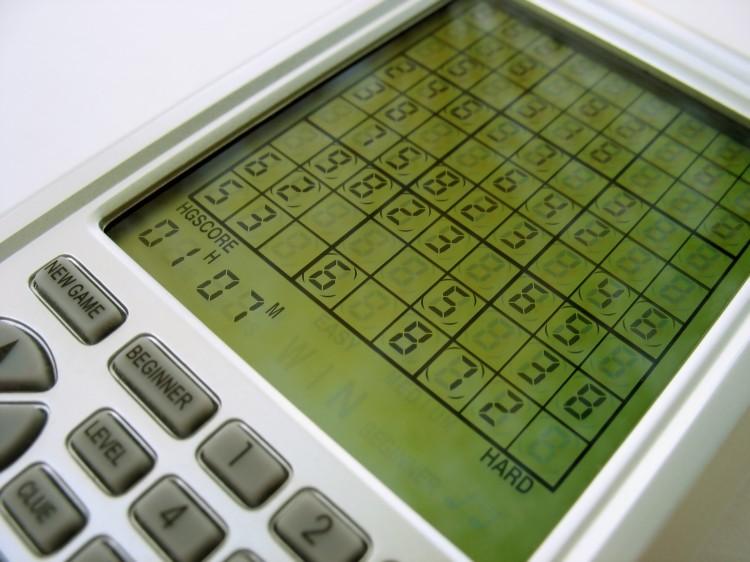 an-electronic-sudoku-game_BYzg-n_0Bs
