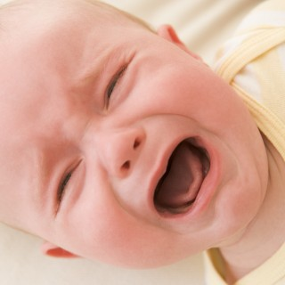 baby-lying-indoors-crying_HFVgWpoCHi