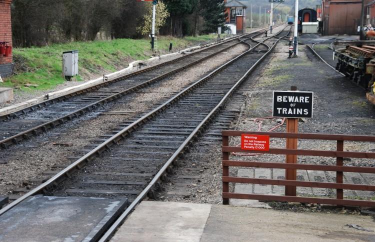 beware-of-trains_71vH4V