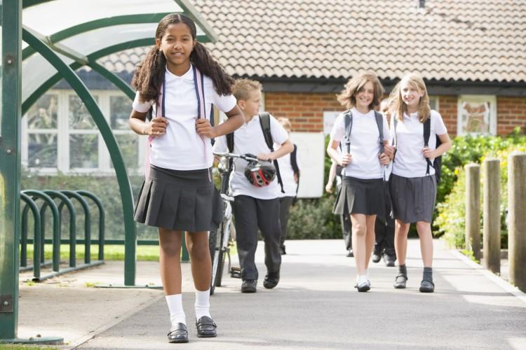 junior-school-children-leaving-school_Bt4C4ARHo
