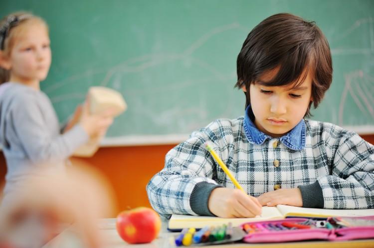 kids-in-school_rFpfjs6Bo