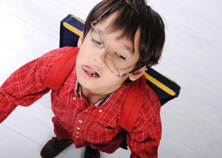 school-boy-with-backpack_StzFrTBi